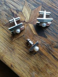 Cultured Pearl Letter H Cufflinks and Tie Pin Set - White metal. HONDA Cars